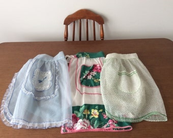 Lot of 3 vintage aprons