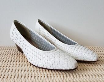 SIZE 9 Vintage Rafael Blantini White Genuine Leather Low Heels Kitten Shoes