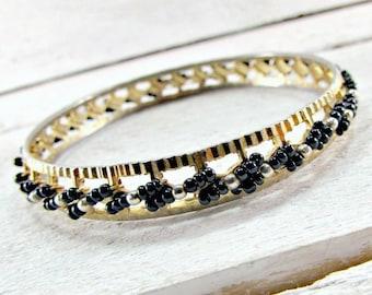 Vintage Beaded Bangle Bracelet, Black Glass Seed Bead Bracelet, Boho Bangle, Hippie Bracelet, Thin Gold Stacking Bangle, 1970s Retro Jewelry