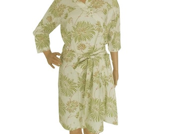 Off white and green robe (Getting ready robes, Nursing mothers, Lounge wear, Beach cover up, Bridesmaids Gifts)