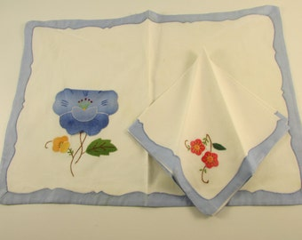 6 Settings of  Vintage White and Blue Appliqued Placemats with Pockets for Napkins, St Maarten Linens, Vintage Linens, Vintage Dining