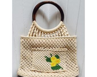 Vintage 1970s Wood-Handled Crocheted Flower Handbag