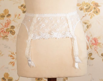Vintage White Embroidered Mesh Garter Belt, Suspender Belt. Waist Circumference: 27 - 31""