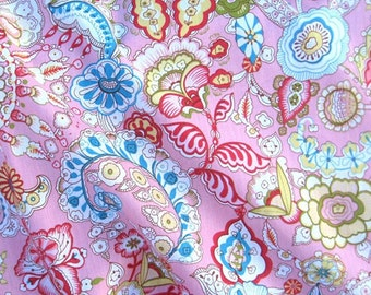 C2025B - 1 meter  Cotton Fabric - Flowers on pink (145cm width)
