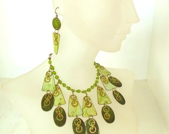 Vintage Brass Necklace Earrings Handmade Enameled Green Marbleized 80s Choker (item 195)