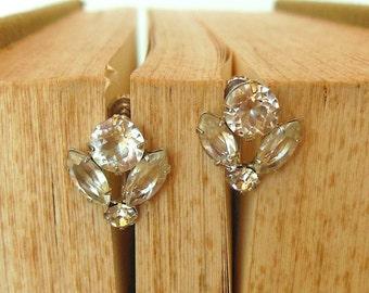 Vintage Sterling Screw Back Earrings Rhinestone Flower Silver 50's (item 241)