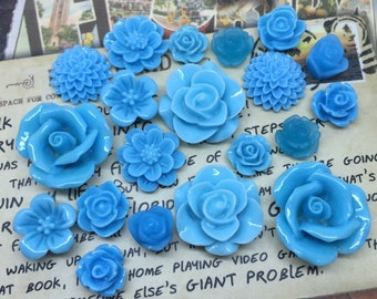 20x Resin Flower Cabochons - Blue