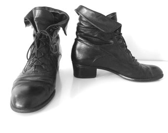 Vintage Black Leather Women's Lace Up Ankle Boots Gabor International