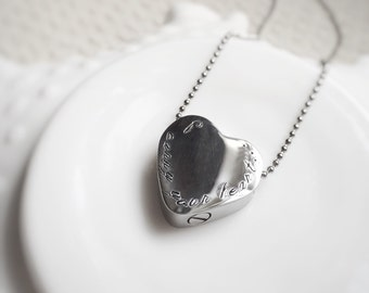 Pet Memorial Necklace Cremation Urn Pendant Personalized Ashes Locket Cremains Vessel Heart In Memory of Remembrance Jewelry