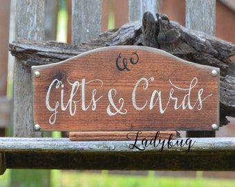 "GIFTS AND CARDS"" rustic wedding sign.  Rustic Wedding sign. Rustic wedding Decor, Rustic frame by Ladybug Design by Eu"
