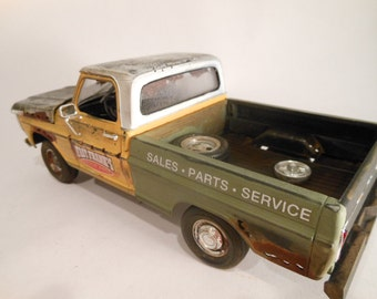 Classicwrecks Rusted Ford Pickup Scale Model Truck