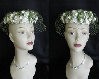 True Vintage 1950s Bridal Hat Evelyn Varon White Lace & Flower Wedding Hat