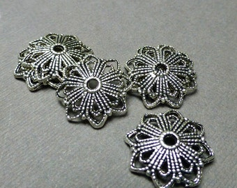 Filigree Bead Caps. Large Victorian Bead Caps. Star Bead Caps. Antique Silver. Victorian Findings. 20mm. Six (6).