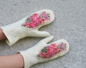 Felted Mittens ,felted gloves, women mittens, natural white with floral pattern , gift under 50 CIJ, Felted warm accessories