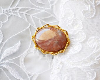 Natural Stone Brooch/Pendant, Vintage  Bridal Oval Gold Tone, HALF OFF  Sale, Item No. B542
