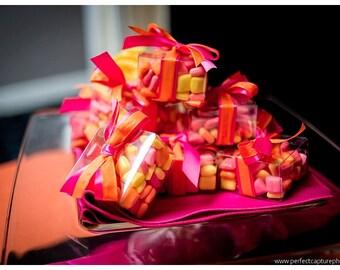 Clear box wedding favor, plastic clear box candy favor, wedding favor box in clear, see through box, translucent wedding favor candy box,