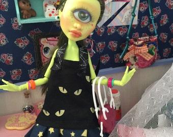 ON HOLD meet uona custom ooak monster high cyclops