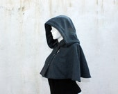 Womens cape. Cropped cape, Teal wool capelet, Fully lined. Detachable hood.  Detachable bug brooch. Size S.