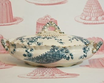 Fabulous English Vintage Tureen