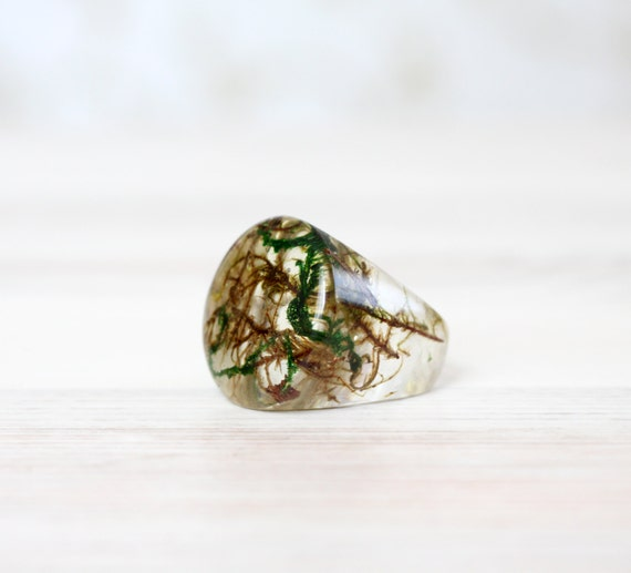 Real Green moss Ring - Unique woodland crystal resin Ring