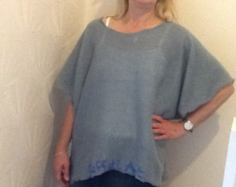 Loose one size women's top.....