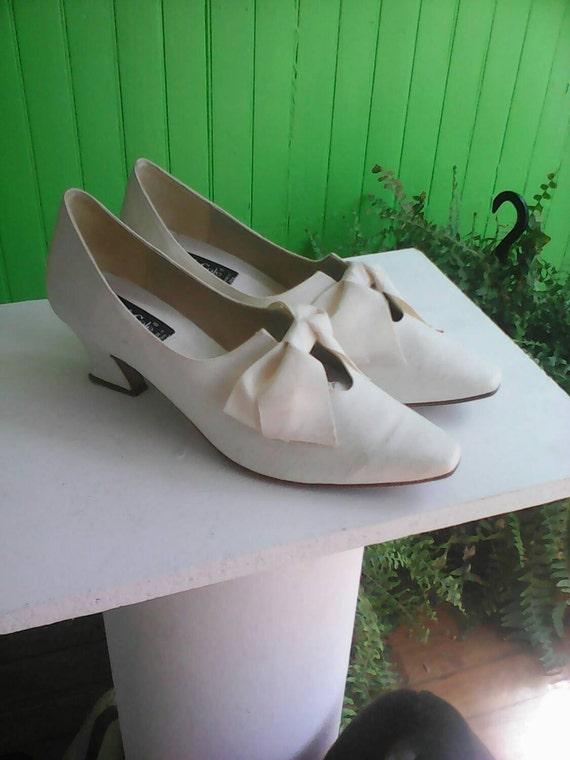 Vintage Kenneth Cole Ivory Silk Wedding Shoes 1990s Italy