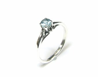 Aquamarine, 4.5mm x 0.28 Carat, Round Cut, Sterling Silver Ring