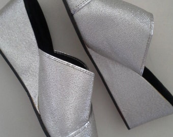 Vintage silver sixties slippers size 8
