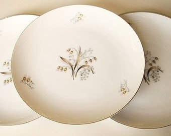 SALE Meito China Dinner Plates Lily of The Valley, fine Asian china, platinum rims made in Japan plates back stamped, 5 replacement china