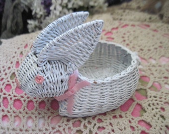 Basket Wicker Rabbit, Darling Little tiny Rabbit Basket ,Rabbit Basket,Bunny Basket, Wicker Basket, Bunny,Rabbit, :)