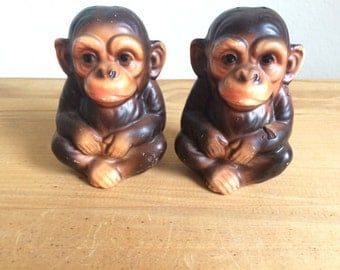 SALE!!!-Vintage Chimpanzee Salt and Pepper Shakers, Mid Century Monkeys Salt & Pepper Set, Made in Japan