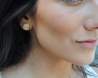 gold stone stud earrings