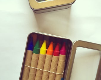 Set of 12 Oversized Traditional Crayons in Tin