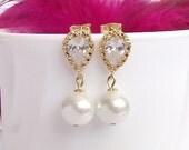 pearl drop bridal earrings, gold wedding earrings, ivory white pearl earings, bridesmaid earrings, CZ pearl wedding earings, wedding jewelry