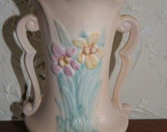 Vintage Hull Two Handled Vase IRIS Pattern Cream Color 1940s 403-81/2