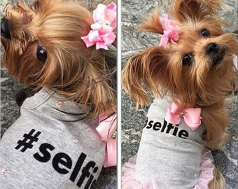Selfie Queen Hashtag V Neck Sweetheart Gray Dog Shirt Tank Top