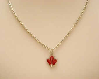 Canada day. Red maple leaf petite necklace, canadian symbol small necklace, selebrate 150