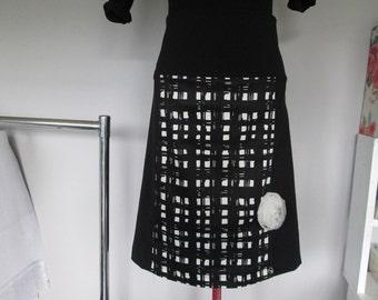 Womens Black & White Skirt