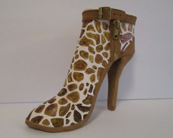 in stock giraffe shoe cake topper ankle bootie sugar gum paste high fashion couture edible