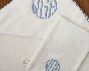 Monogrammed Embroidered Hooded Towel with Wash Mitt