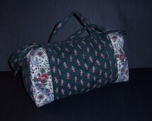 Vintage Pierre Deux Souleiado La Provencal Green Red White Print Quilted Small Duffle Barrel Bag Purse