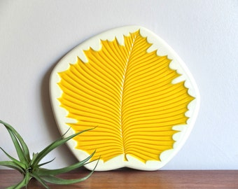 """French vintage ceramic cheese tray """"leaf"""" 1950s"""