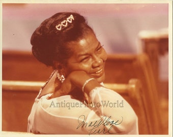 Pearl Bailey actress singer hand singed vintage photo