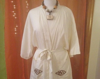 Vintage Off White Chinese Dragon Lounge Robe