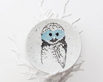 White mosaic dish with owl - Graphic Owl - Glass mosaic - Interior Dish