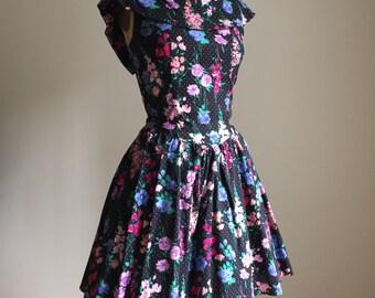 1980s floral retro inspired mini dress / full skirt with tule dress / size S
