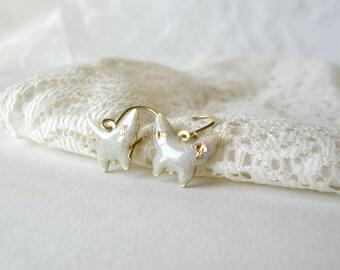 White and gold butterfly earrings- Bridesmaids dangle earrings- Bridal jewelry- Elegant dainty earrings