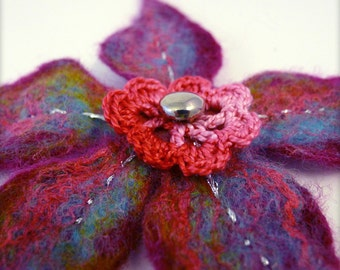 Brooch flower in felted wool and crocheted cotton - Pink and blue
