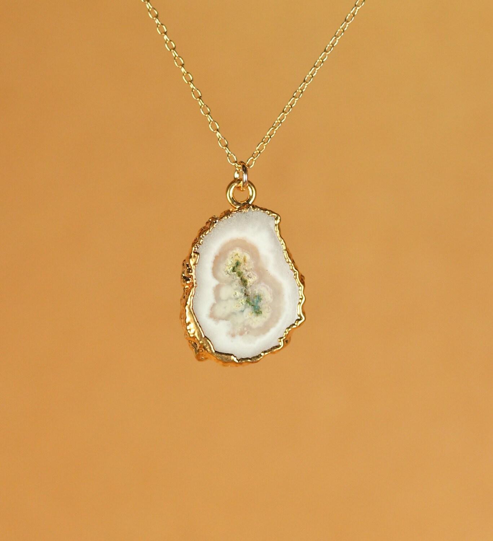 solar quartz crystal necklace quartz necklace crystal. Black Bedroom Furniture Sets. Home Design Ideas