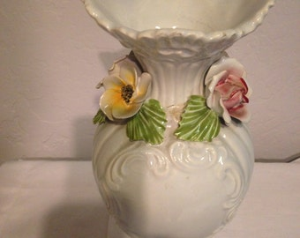 Vase Capodimonte Made in Italy White With Gorgeous Raised Detailing And Pink And Yellow Porcelain Flowers
